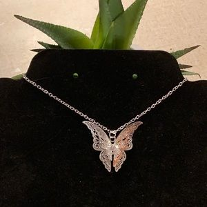Jewelry - Fly with me butterfly silver necklace